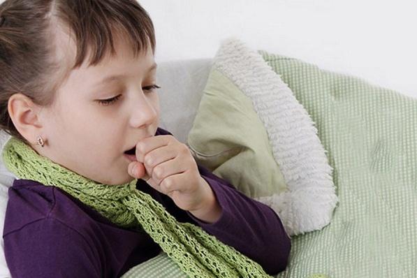 Cách trị bệnh ho cho bé mùa lạnh