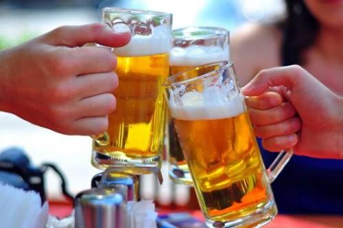 Uống bia sau khi nhổ răng có được không?