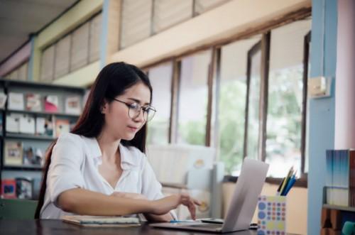 Xếp hạng Top website tạo CV xin việc hàng đầu: Tính năng và đánh giá
